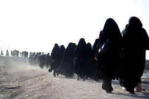 خمام - اعزام کاروان راهیاننور دانشآموزان مدارس دخترانه خمام به مناطق جنگی