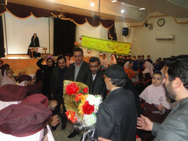 مراسم تجلیل از معلم فداکار گیلانی