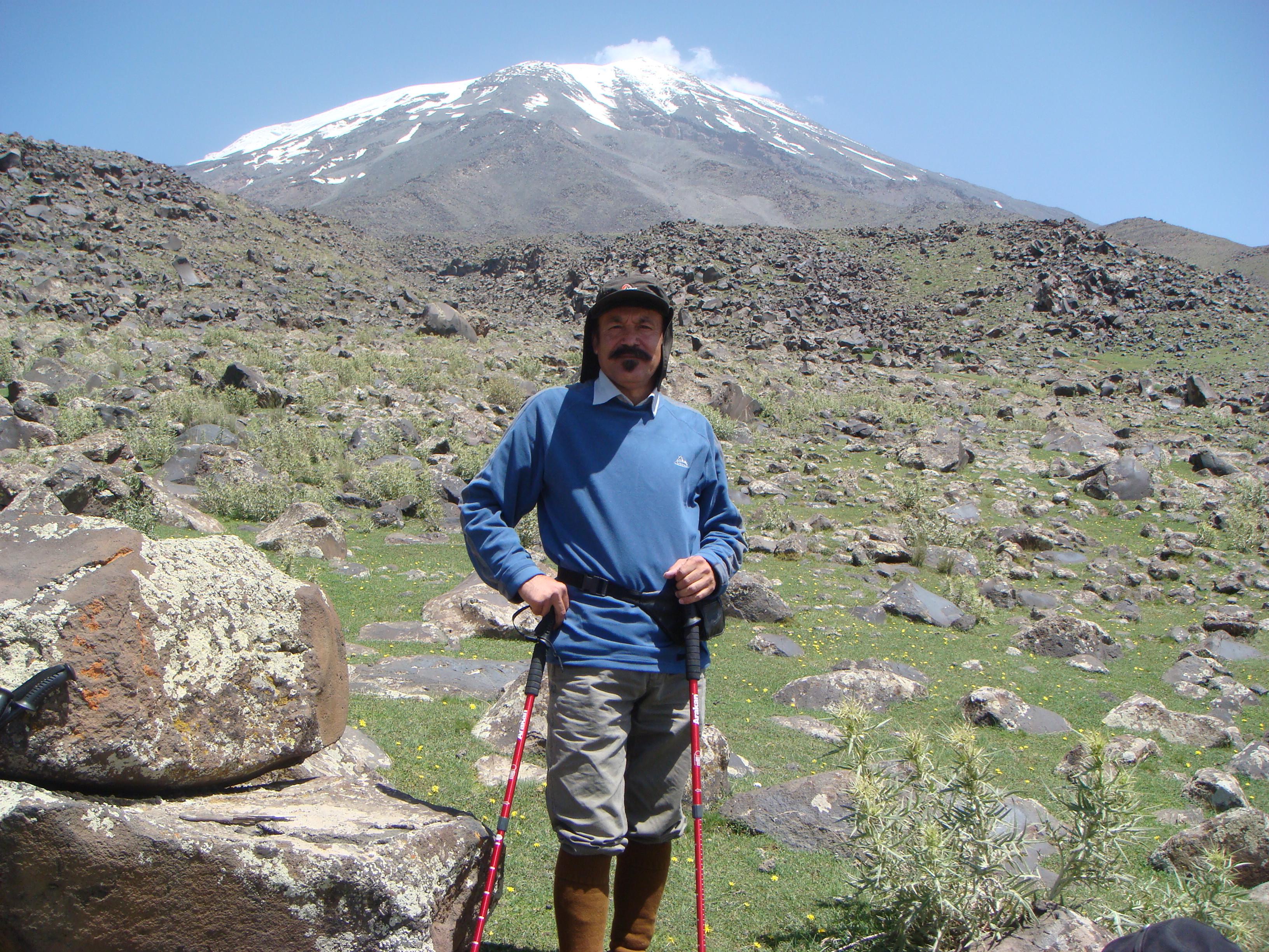 """مصاحبه با """"محمدرضا جنت مکان""""، پیشکسوت و رئیس هیئت کوهنوردی خمام"""