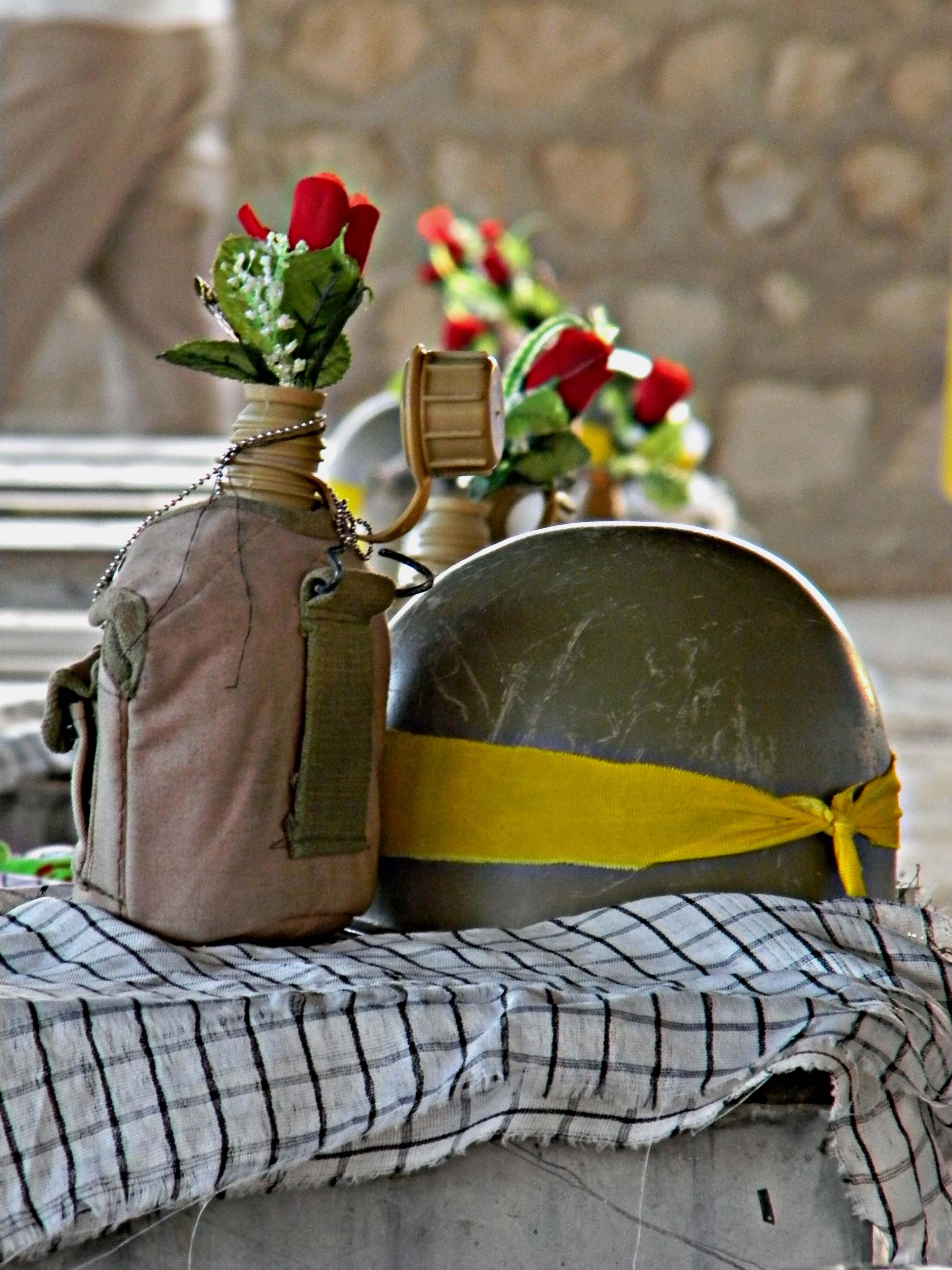 خمام - برگزاری اولین مراسم یادوارهی 6 شهید والامقام روستای راسته کنار