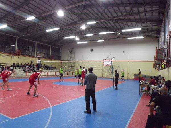 """قهرمانی تیم """"دهیاری بیج"""" در اولین دوره از مسابقات والیبال جام رمضان خمام"""