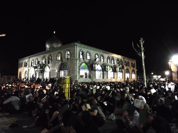 مراسم شب بیست و سوم ماه رمضان با حضور صدها تن مومن شب زندهدار احیا شد