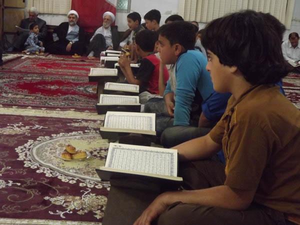 مراسم شبی با قرآن در مسجد جامع روستای تیسیه برگزار گردید