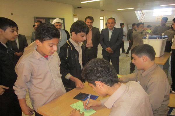 خمام - انتخابات شوراهای دانشآموزی برگزار شد