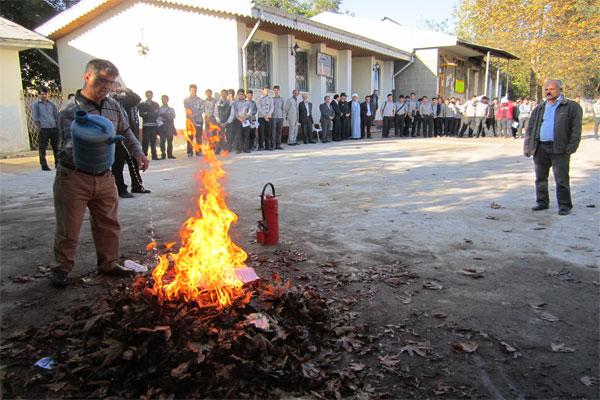 برگزاری همایش پدافند غیرعامل در هنرستان شهید بهشتی خمام