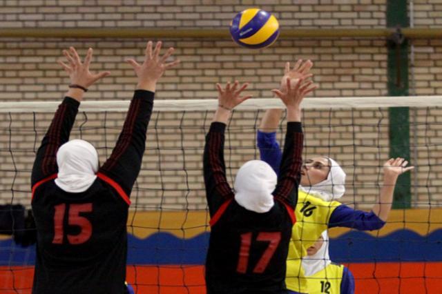 خمام - پیروزی تیم هیئت والیبال بانوان خمام در مقابل تیم گیلزاد بندرانزلی