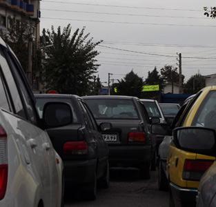 تا تبدیل شدن خیابان امام خمینی (ره) به پارکینگ عمومی راه زیادی نمانده است!