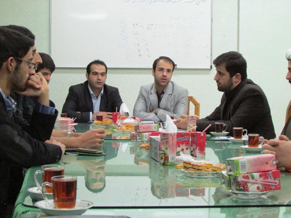 اولین جلسهی شورای شهر خمام با اعضای کانون امام رضا (ع) برگزار شد