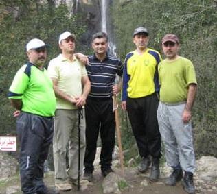 خمام - گروه کوهنوردی شهرداری خمام به آبشار لاتون در آستارا صعود کرد