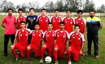 خمام - شکست 2 بر 5 تیم فوتبال شهرداری خمام در مقابل نوجوانان پرسپولیس رشت