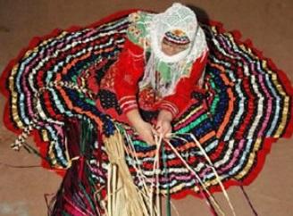دختران امروزی برای یادگیری صنایع دستی رغبت و علاقهای ندارند