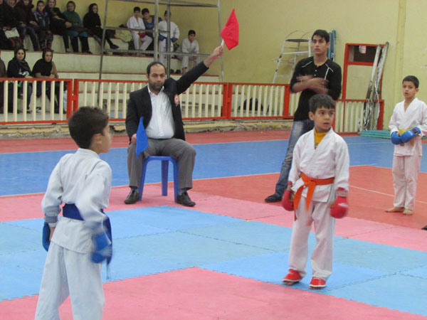 خمام - برگزاری مسابقات کاراته در سالن تختی