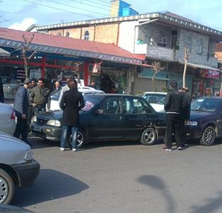 تصادف جزئی 5 خودرو در خیابان اصلی