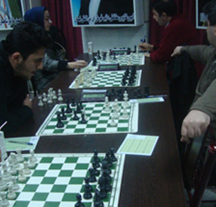 خمام - تیم شطرنج شهرداری خمام در ردهی دوم از مسابقات لیگ برتر شطرنج گیلان