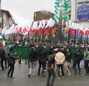 خمام - مراسم سنتی علمبران برگزار گردید