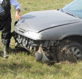 خمام - سقوط خودروی زانتیا به درون مزرعه