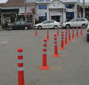 خمام - طرح جداکنندهی استوانههای پلاستیکی در ورودی خیابان بوعلی اجرا شد