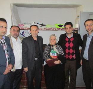 خمام - دیدار شهردار و شورای اسلامی شهر خمام با مادر شهید سیدهاشم حسینی