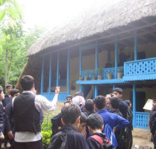 بازدید دانشآموزان دورهی دوم دبستان مولوی از موزهی میراث روستایی گیلان