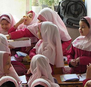 خمام - از معلمان دبستان یاسنو تجلیل شد