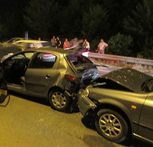 خمام - تصادف 3 دستگاه خودرو در چاپارخانه