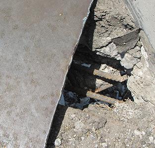 درز انبساط پل روگذر خمام ترمیم میشود!