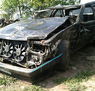 سانحهی تصادف خودروی پژوی عروس و داماد 3 مجروح بر جای گذاشت