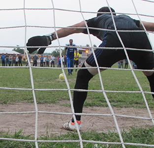 «شهید حسینپور» قهرمان مسابقات فوتبال جام دهیاریهای خمام در ردهی پیشکسوتان