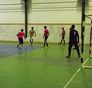 خمام - دهمین دوره از مسابقات فوتسال «جام رمضان» در حال برگزاری است