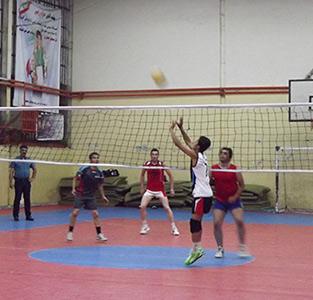 خمام - مسابقات والیبال جام رمضان در حال برگزاری است / حضور 7 تیم در این دوره از مسابقات