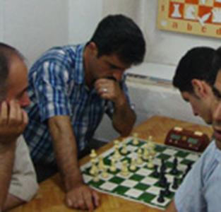 «فرهاد وطندوست» قهرمان مسابقات شطرنج جام رمضان خمام