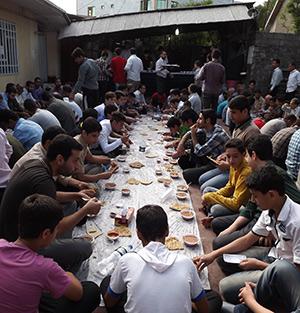 برگزاری مراسم صبحانهی عید فطر در پایگاه شهری شهید شیرودی خمام