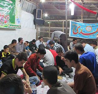 خمام - برگزاری مراسم افطاری و تفسیر قرآن کریم در پایگاه شهری شهید شیرودی