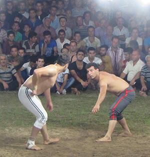 «کاوه مبارکی» از خمام، نائب قهرمان مسابقات فرا استانی کشتی گیله مردی