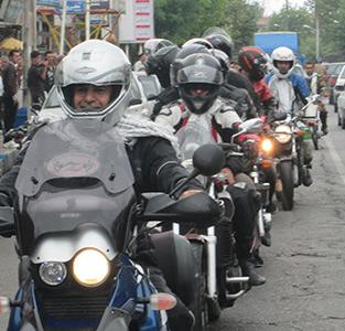 خمام - رژه موتورسواران به مناسبت هفته دفاع مقدس برگزار شد