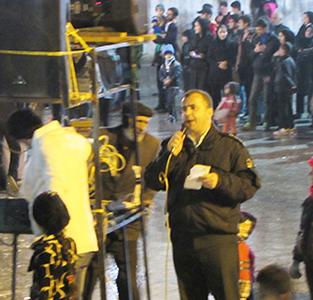 خمام - از حضور دستههای عزاداری در شهر تا مداحی کردن فرمانده نیروی انتظامی خمام