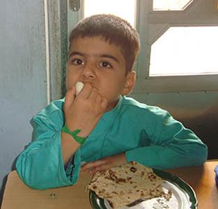 بازدید دانشآموزان از مراکز دامپزشکی / ترویج تغذیه سالم با پذیرایی توسط تخم بلدرچین