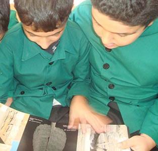 خمام - بازدید دانشآموزان از کتابخانه شهید بهشتی