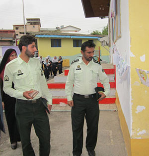 خمام - برگزاری نمایشگاه نقاشی در دبستان شهید صادقی / از پرسنل نیروی انتظامی تقدیر شد