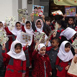 بازدید دانش آموزان مجتمع مهد گلهای بهشت از کتابخانه شهید بهشتی خمام
