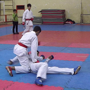 مسابقات چندجانبه کاراته خمام برگزار شد