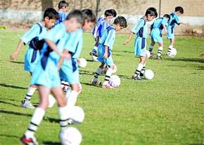 خمام - عوامل سودجو در کمین فوتبال آموزان هستند
