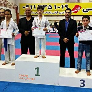 افتخارآفرینی کاراتهکاهای خمامی در مسابقات قهرمانی شهرستان رشت