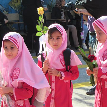خمام - زنگ شکوفهها در مدارس بخش خمام نواخته شد