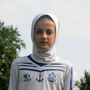 دختر 11 سالهی خمامی با باشگاه ملوان قرارداد بست