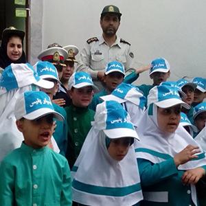 خمام - بازدید دانشآموزان از فرماندهی انتظامی بخش خمام و پلیس راه رشت – انزلی