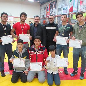 خمام - درخشش 8 کشتیگیر فرنگیکار خمامی در مسابقات قهرمانی نوجوانان استان