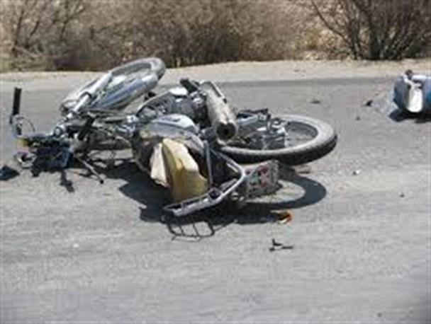 راکب موتورسیکلت در برخورد با یک راس گاو جان باخت