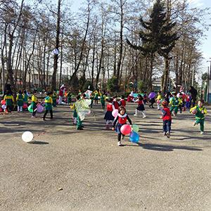 خمام - برگزاری جشن بادبادکها در پارک سردار جنگل