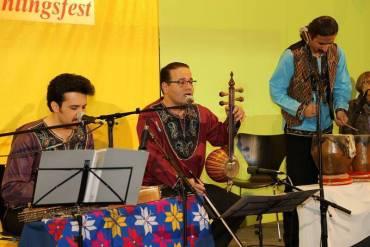 استقبال آلمانیها از اجرای کنسرت نوروزی گروه تاسیان به سرپرستی حسین تقینژاد